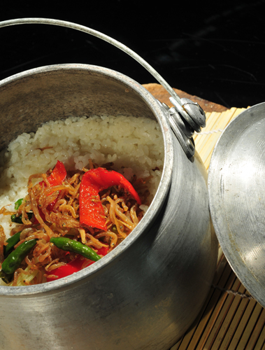 Cara Memasak Nasi Liwet Spesial